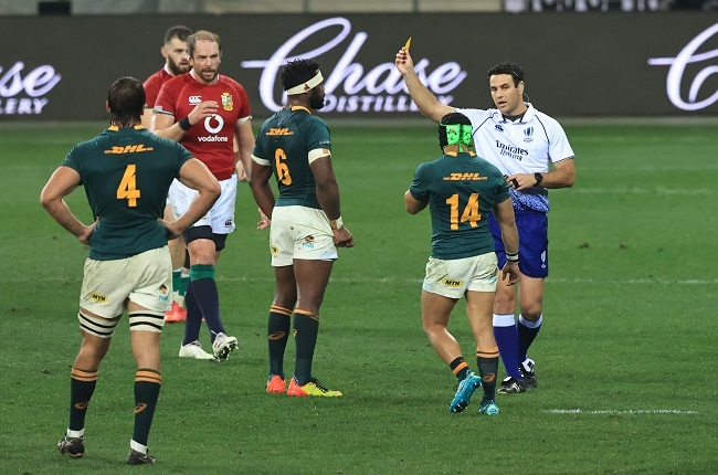 Ben O'Keeffe shows Cheslin Kolbe his yellow card. (Photo by David Rogers/Getty Images)