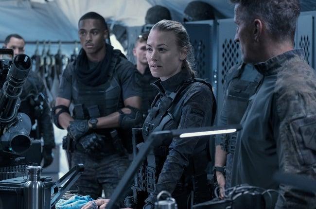 Yvonne Strahovski plays a no nonsense scientist and military leader in The Tomorrow War. (PHOTO: Amazon Studios)