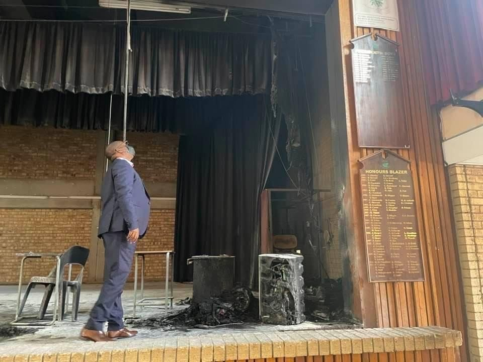MEC Panyaza Lesufi inspecting parts of the hall that was torched at Glenvista High School