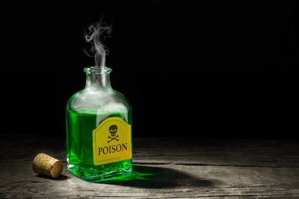 The poison is a green liquid in a glass vial. A de