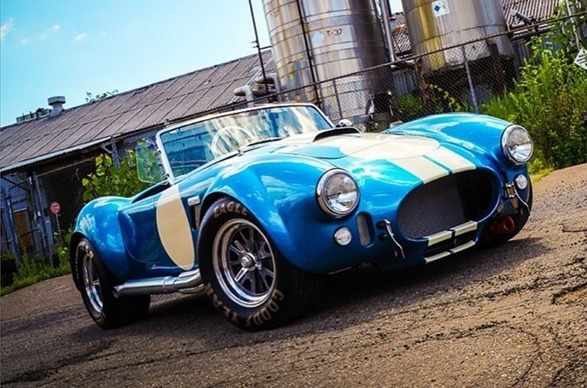 Want to own a classic replica Cobra car? Here's what you need to know about buying one