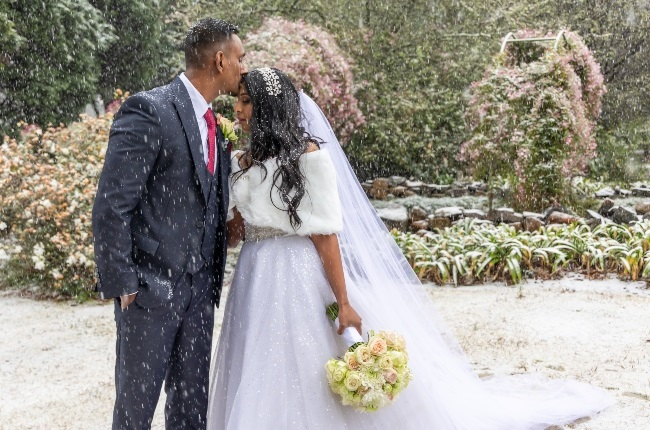 For Simone and Jarryd, their wedding was a day to remember. Their snow-covered pictures went viral. (PHOTO: Stuart Dods)
