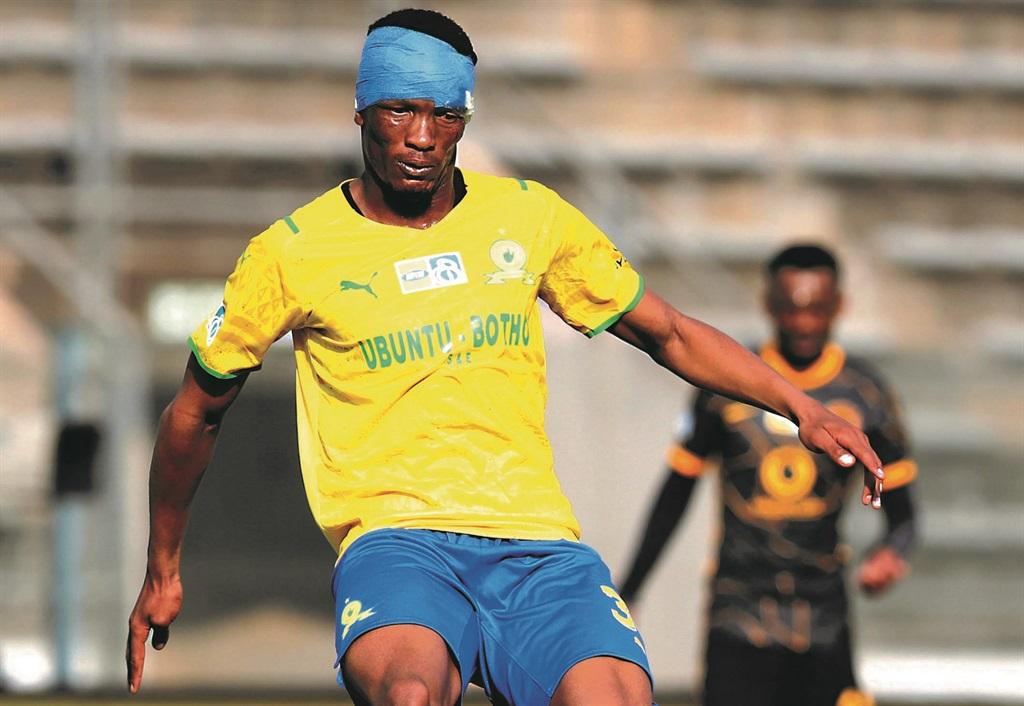 Mamelodi Sundowns midfielder Mothobi Mvala will be a key player in their encounter against Kaizer Chiefs this afternoon. Photo: Muzi Ntombela / BackpagePix