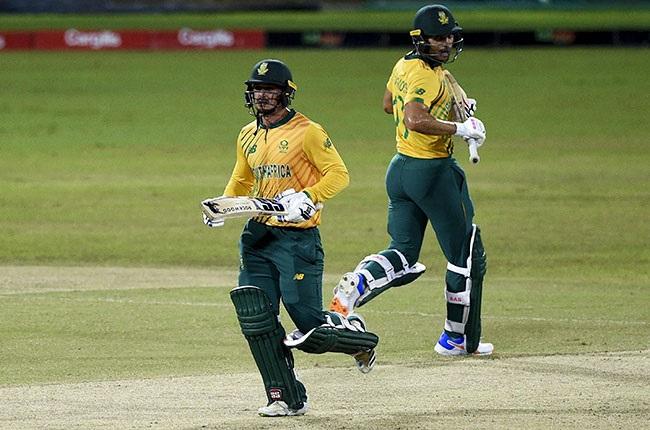 South African batsmen Quinton de Kock and Reeza Hendricks