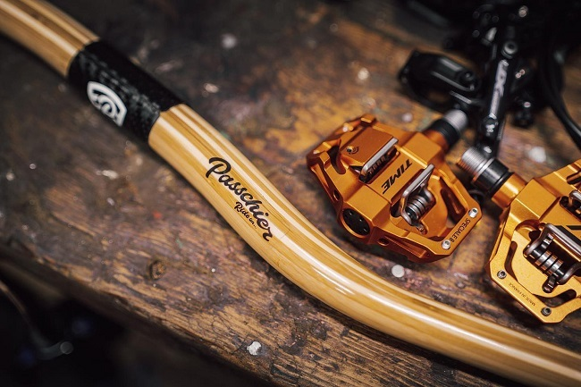 These bamboo handlebars work as good as they look - which is saying something (Photo: @geemilner)