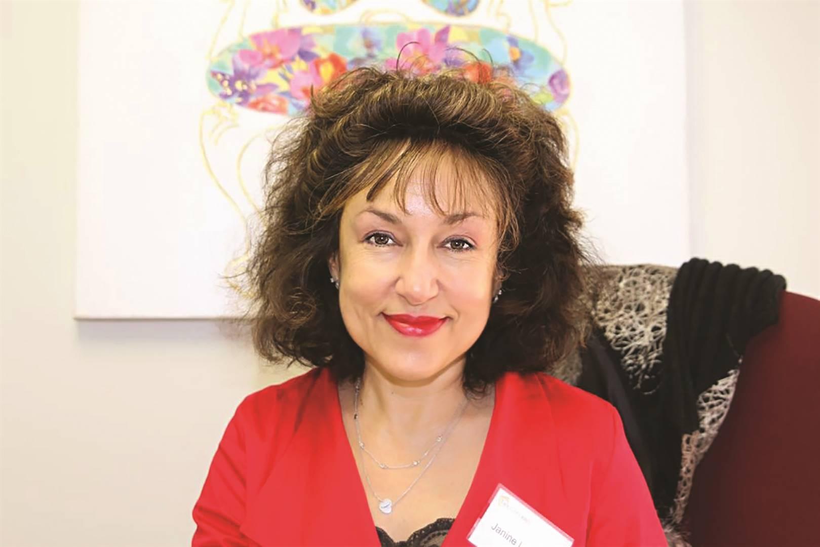 Janine Lazarus, oudjoernalis van 'The Star', die 'Saturday Star' en die 'Sunday Star' en skrywer van 'Bait'.