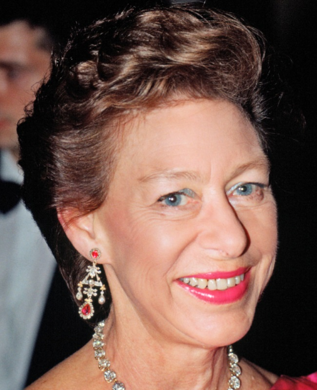 The princess was photographed wearing these earrings – triangular motif diamond pendants with rubies set in silver and gold – throughout her life.  (PHOTO: Gallo Images / Getty Images)