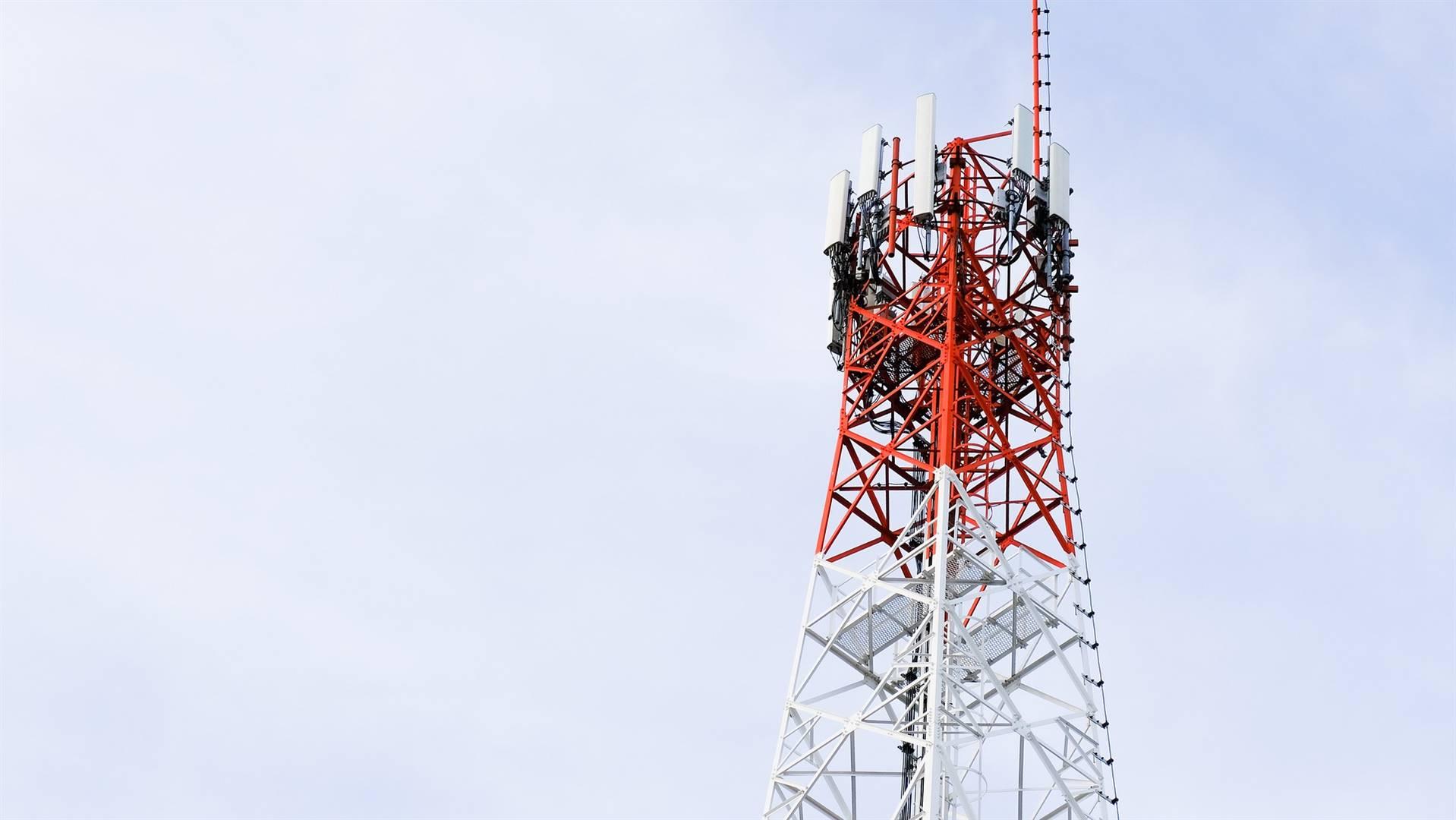 IHS Towers bedryf 30 200 selfoontorings wêreldwyd en wil nou noteer op die New Yorkse aandelebeurs.  Foto: Pixabay