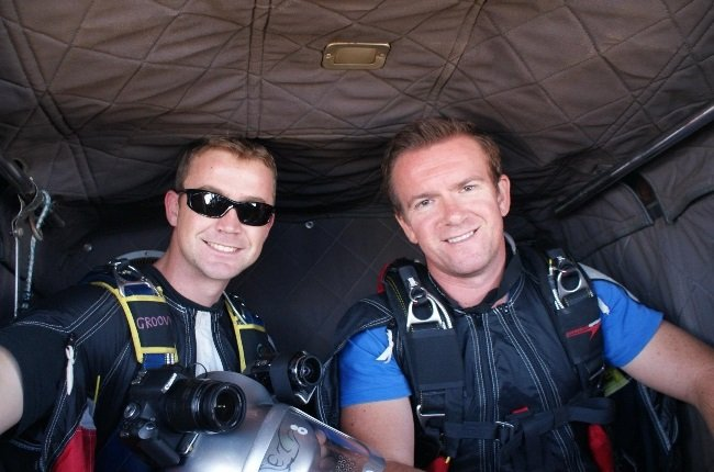 Hilmar Backer (right) died in a freak accident when he collided with his friend Rudi Serfontein during a parachute jump. (Photo: Facebook)