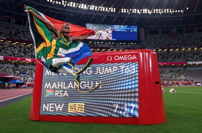 Ntando Mahlangu flew the South African flag high after a record breaking long jump at the Tokyo Paralympics. (Photo: Getty Images/Gallo Images)