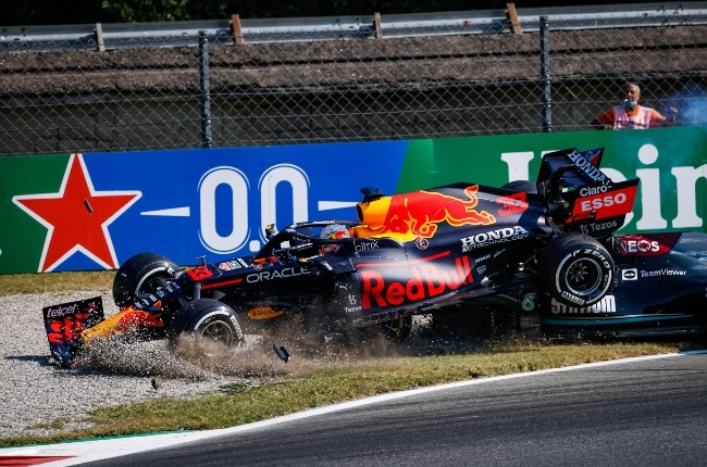 The crash at Monza that fortunately left both driv