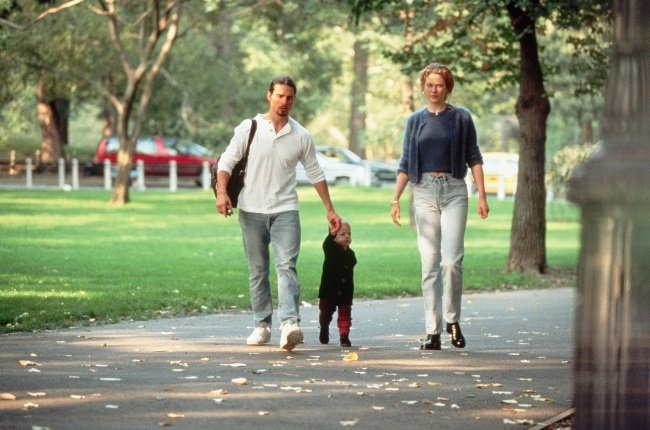 Tom and Nicole stroll through Central Park with th