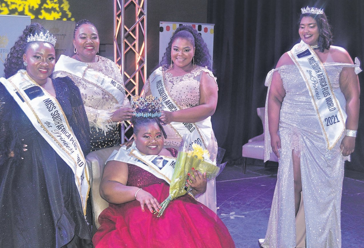 Top contestants in the Miss South Africa Plus World beauty pageant for 2021 at the crowning held in the Bloemfontein Civic Theatre on 2 October. From the left are, front: Ngwekazi Makaba (Miss South Africa Plus World 2021); back: Thubeli Mhlongo (first princess), Mammone Aphiri (Ms South Africa Plus Intercontinental 2020), Karabo Ratikane (Miss South Africa Plus World 2020) and Shannae Hutton (second princess).Photo: Supplied
