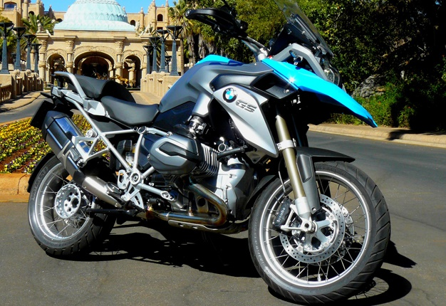 <B>FRUGAL  BMW:</B> Despite its size, the BMW R1200 GS is one of SA's most fuel efficient bikes, says Dries van der Walt. <I>Image: Dries van der Walt</I>