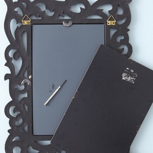 Give Your Mirror An Antique Look