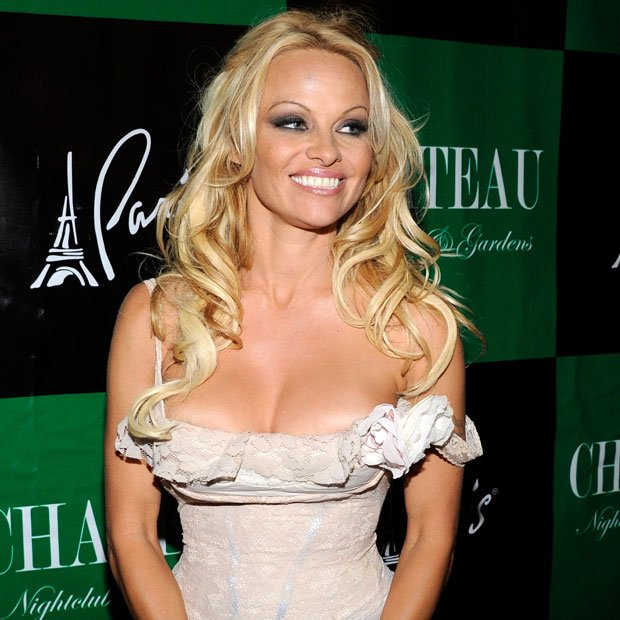 Pamela Anderson married the guy that went on to shoot Paris Hilton's sex ...