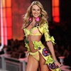 SA's most famous Victoria's Secret Angel was in the news a lot this year - first for being too skinny, then for the lingerie show and now she's taking topless pics of herself. Sigh...