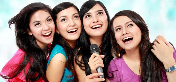 lip-synching Karaoke