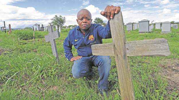 Imbali man Sbusiso Molefe said he and his family are in distress as they have been struggling to get the management of the Ethembeni Cemetery to give them grave numbers for their relatives buried at Ethembeni.