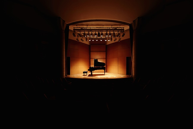 With concert halls shut down, classical musicians are turning to online streaming. (Photo: Sot/Stone Collection via Getty Images)