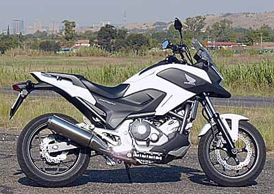 <b>HONDA'S NC700h:</b> The bike has the looks - its rugged duallie-like styling is bound to appeal. <i>Images: DRIES VAN DER WALT</i>