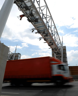 AfriForum has put on hold its intended legal action on the e-tolling penalty tariff for non-registered users, the lobby group says. (File, Sapa)