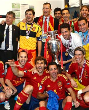 Spain's Crown Prince Felipe, top centre, joins Spain's victorious soccer players in Kiev, Ukraine after Spain beat Italy 4 - 0 in the Euro 2012 soccer final. (Carmelo Rubio, Spanish Football Federation, AP)