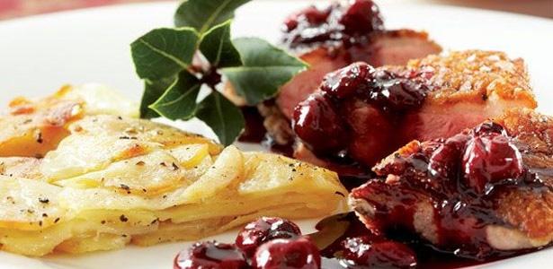 recipe,duck dinner, cheery, sauce,potatoes