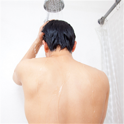 This Guy Took Freezing Cold Showers Every Day For a Week. Here's What Happened