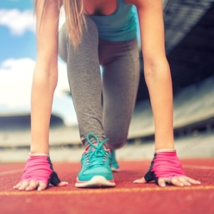 female athletes at risk of fractures