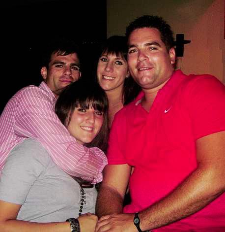 Louise (voor) saam met haar broers en suster, (van