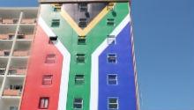 Mixed reaction to SA flag that replaced Zuma Must Fall billboard