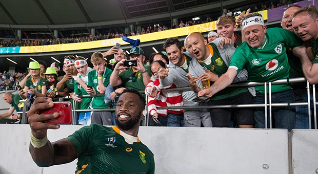 News24.com | WATCH: We've got your back Siya - Bok captain's former schools salute their own