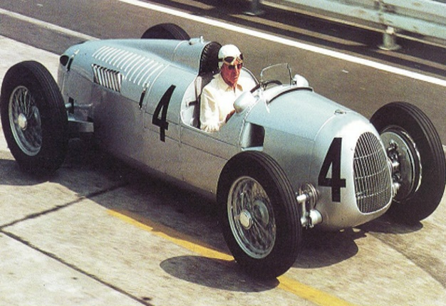 <b>MISSING IN SA?</b> An automobile historian and vintage car specialist is offering R100 000 for information leading to the recovery of this classic race car. <i>Image: People's Post</i>