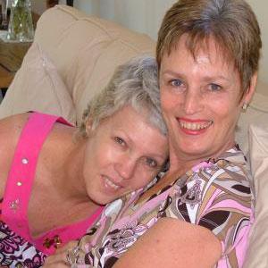 Sisters Melanie McWilliam and Lyndsay Winter