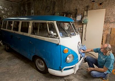 <b>END OF THE ROAD FOR A VW ICON:</b> Production of the VW's legendary Kombi van will end in December 2013. Wheels24 salutes a motoring icon! <i>Image: VOLKSWAGEN</i>