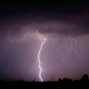 lightning safety tips health24