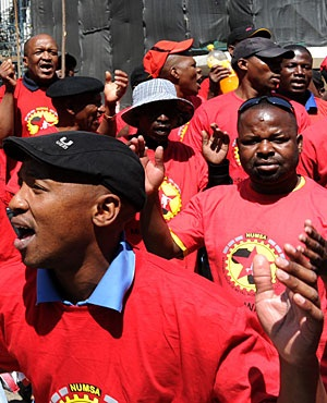Numsa supporters. (Picture: Sapa)