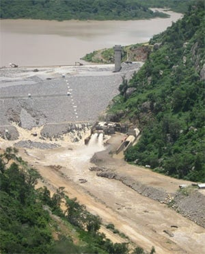 The partially collapsed Tokwe-Mukosi dam in Zimbabwe (David Coltart, Facebook)