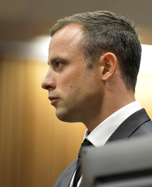 Oscar Pistorius is seen in the North Gauteng High Court. (Foto24)