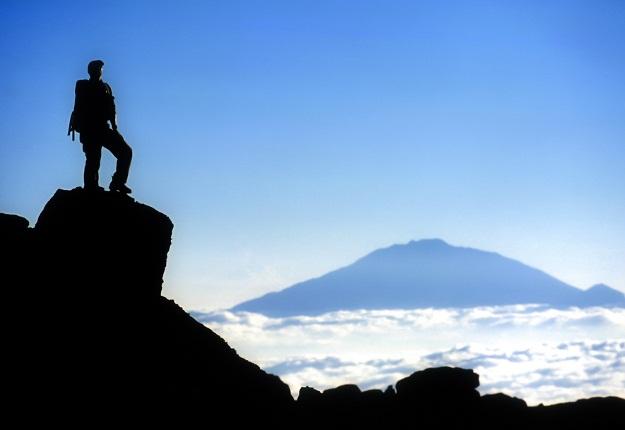 News24.com   Toeris sterf in die valskermongeluk in Kilimanjaro