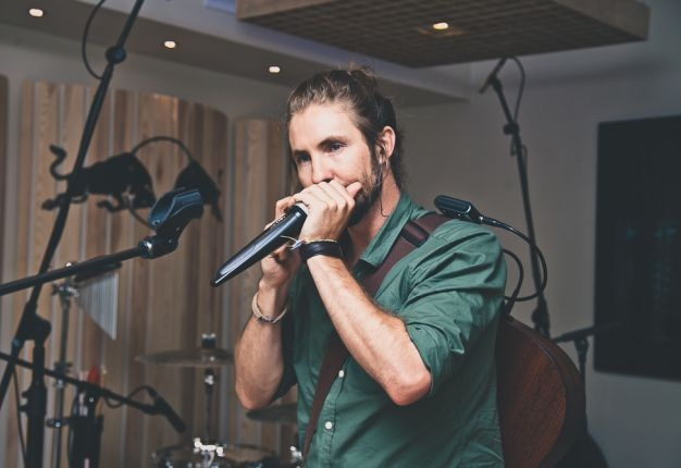 Jeremy Loops in the Red Bull Cape Town studios. (Photo: Stewart Innes)