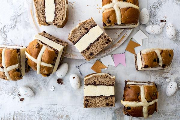 Hot cross bun and amasi ice-cream sandwiches