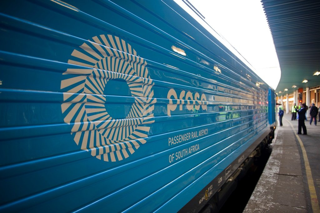 News24.com | Commuters and rail industry feel the pinch as Prasa delays refurbishing trains thumbnail