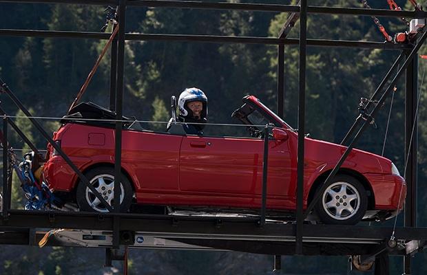 Freddie Flintoff gets ready to bungee in 'Top Gear