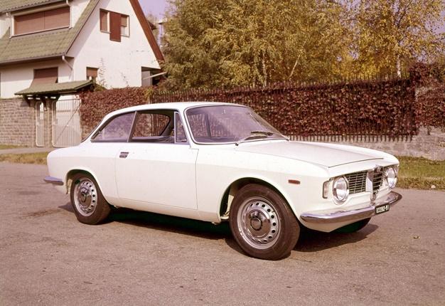 Alfa Romeo GT Sprint.