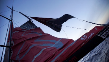 WATCH: Dongfeng Race Team break mast in strong winds