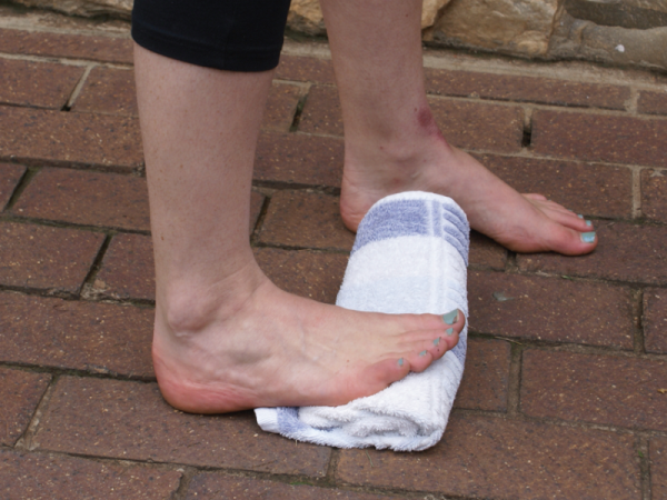 calf stretch to strengthen ankle