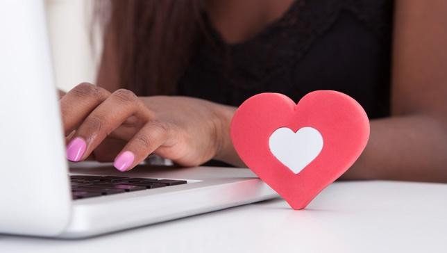 Violet Online, virtual dating