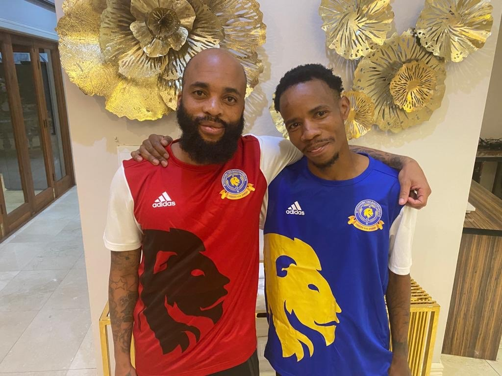 Oupa Manyisa and Joseph Molangoane during their unveiling by TTM in July.